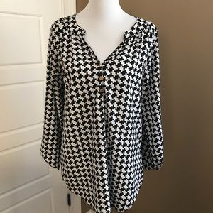 EUC Mud Pie Houndstooth Blouse Small